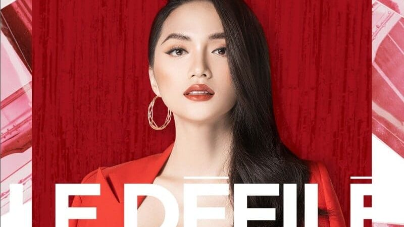 Hoa hậu Hương Giang làm khách mời danh dự tại show diễn tráng lệ Le Défilé L'Oréal Paris