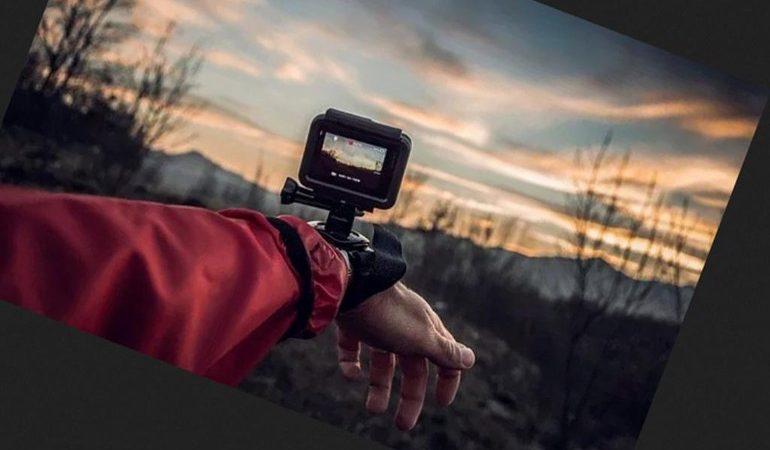 """""""Nghề"""" làm Vlog: chánh mạng hay không?"""