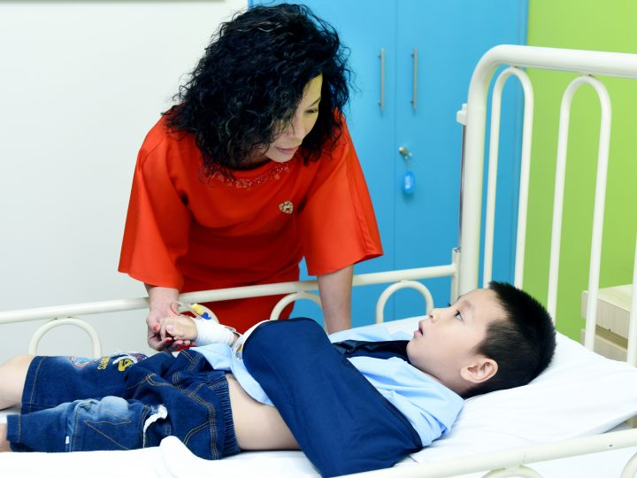 Quỹ Nâng Bước Tuổi Thơ – 15 năm mang y tế quốc tế đến với bệnh nhi nghèo