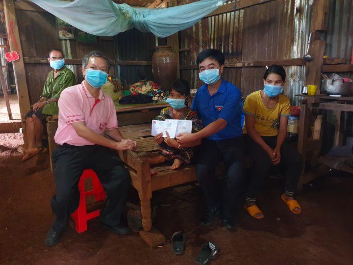 Tiếp sức biên giới mùa dịch để khởi đầu mùa hè tình nguyện tại Bình Phước