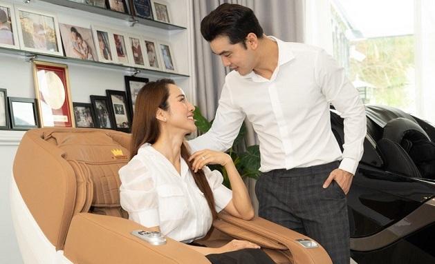 Ưng Hoàng Phúc chia sẻ bí quyết nịnh vợ bằng ghế massage Kingsport G20 new