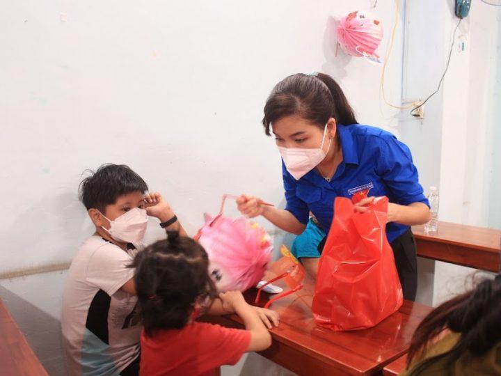 Nestlé Việt Nam tặng quà Trung Thu cho thiếu nhi gia đình đang gặp khó khăn do ảnh hưởng của dịch bệnh Covid-19 ở Đồng Nai